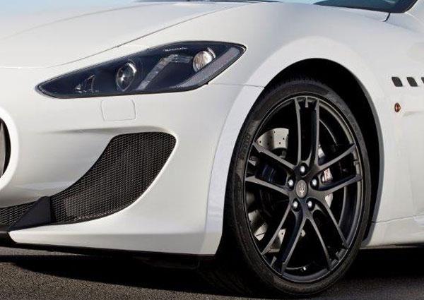 Maserati_GranCabrioMC-2-(640x425px)