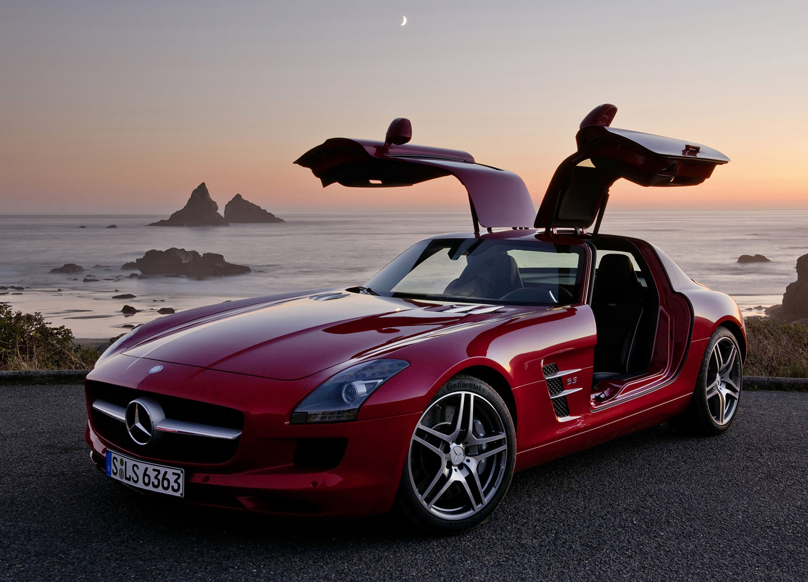 Top 3 Luxury Vehicles for Summer