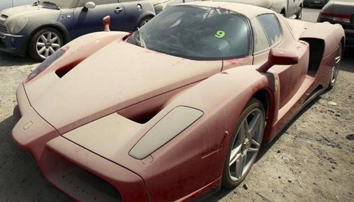 Abandoned Luxury Cars in Dubai are Becoming a Problem
