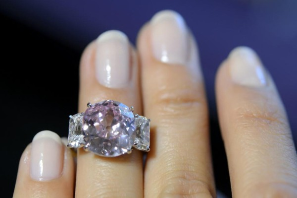 """The Historic Pink"" Fetches $15.9 Million at Auction"