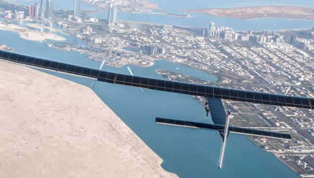 Plane Attempts to Circumnavigate the World Fuelled by Solar Power Entirely