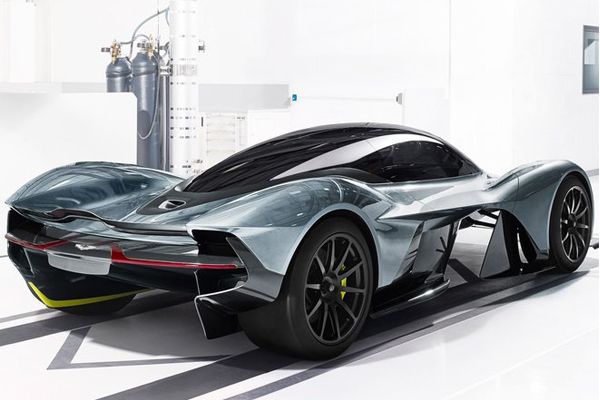 Aston Martin's AM-RB 001 Debuts at the Canadian International Autoshow