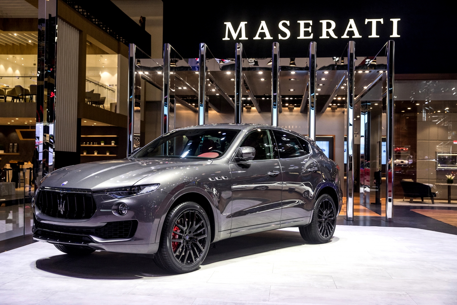 Small-14418-MaseratistandatAutoChina2018LevanteSGranSportMY18