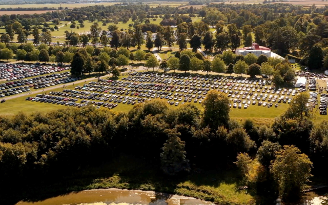 A Luxury Gathering: 1,321 Bentleys Come Together To Set A New Record