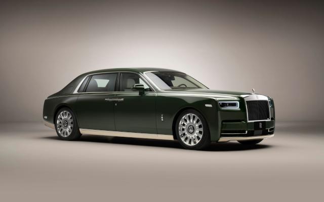 The Bespoke Phantom Oribe: A Rolls-Royce & Hermès Collaboration