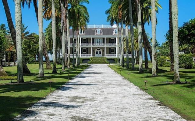 Stunning Waterfront Estate Sells for Record Area Price